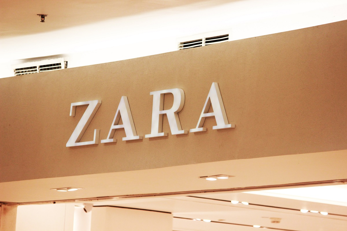 Il mistero delle etichette di Zara tra simboli e taglie