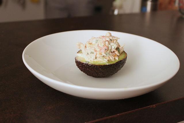 avocado ripieno di salmone