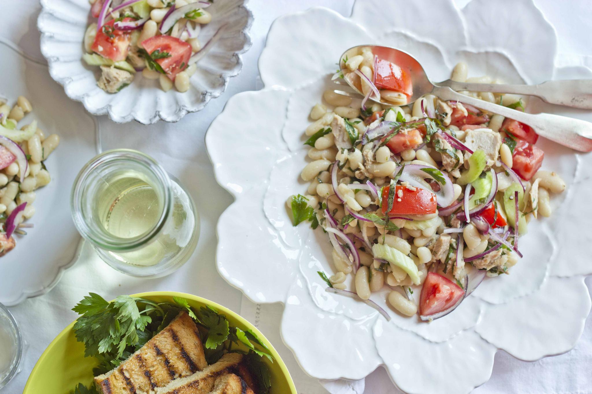 Insalata di tonno, fagioli e cipolla
