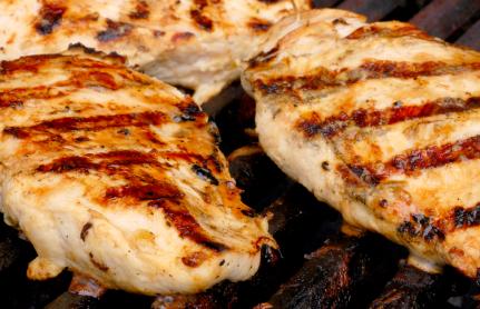 Petti di pollo grigliati al vino bianco