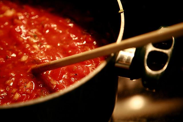 Sughi semplici e veloci: 8 ricette per condire la pasta