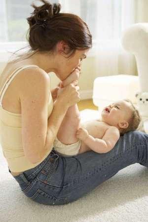 Dare il cognome materno al proprio figlio: si potrà fare