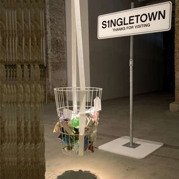 Vita da single: Singletown