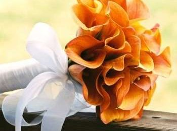 Bouquet sposa: arancio per l'estate