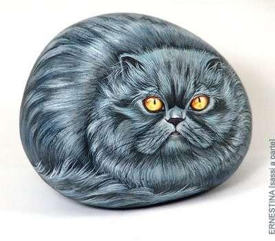 Dipingere i sassi: il gatto