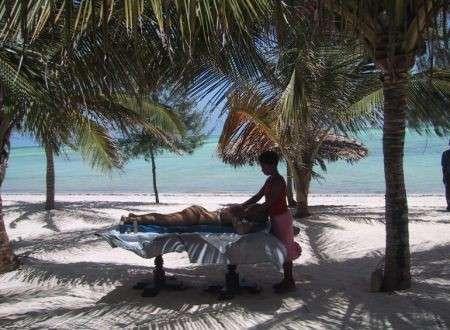Massaggi in spiaggia: sono vietati