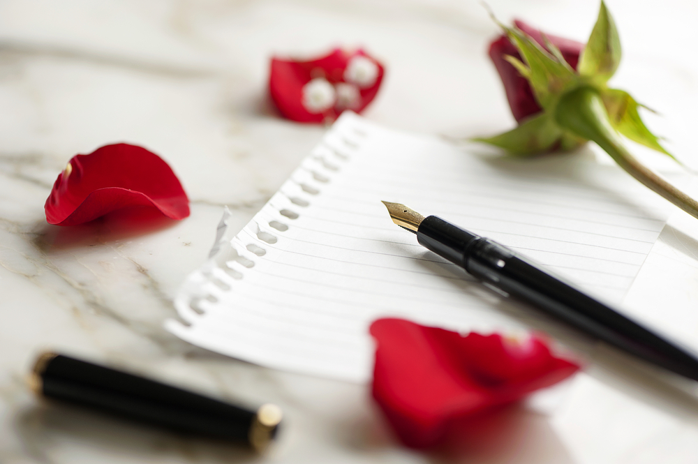 Scrivere una lettera d'amore: ecco i modi per conquistare