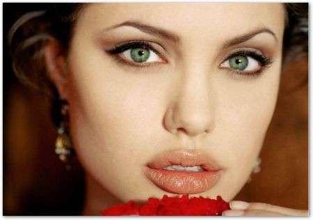 Esercizi labbra, per averle toniche e carnose