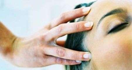 Cura dei Capelli: il massaggio della testa