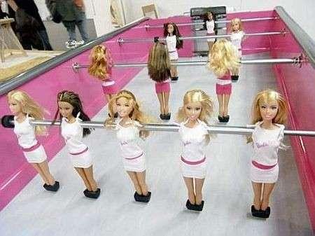 Giochi bambini: il calcio balilla di Barbie