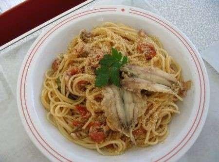 Ricette leggere: spaghetti con tonno e alici