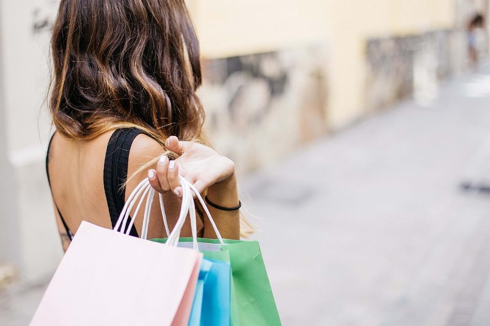 Benessere: gli esperti dicono di fare shopping