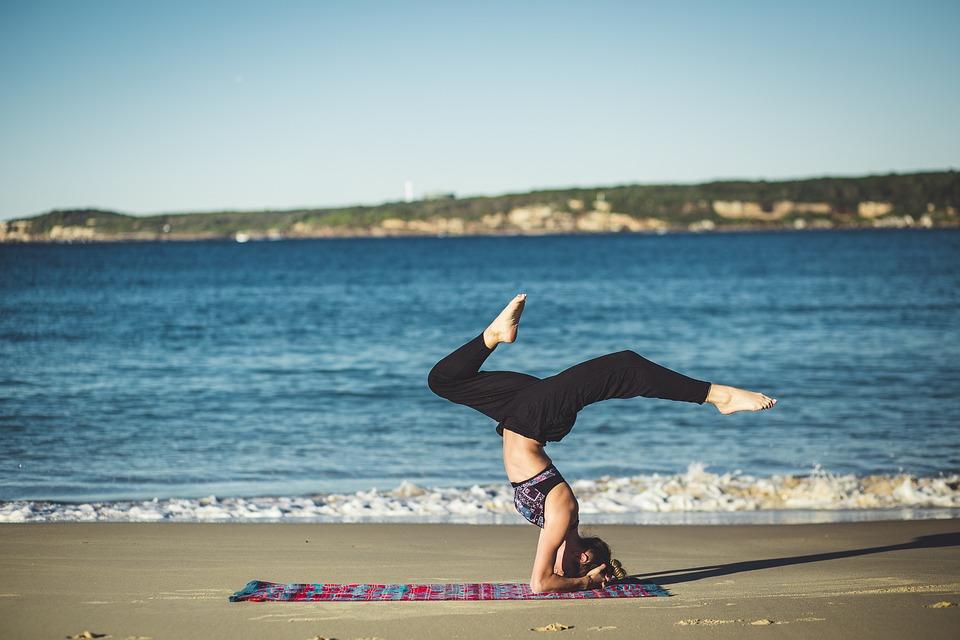 Sport: Antigravity Yoga per tenersi in forma