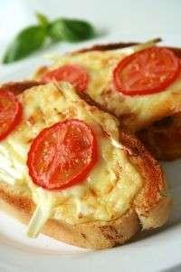Ricette stuzzichini: bruschette al formaggio