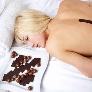 Pelle, il cioccolato fondente che protegge dal sole