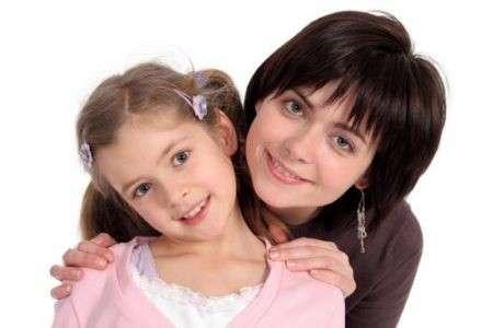Anoressia: mamma a dieta, figlie a rischio