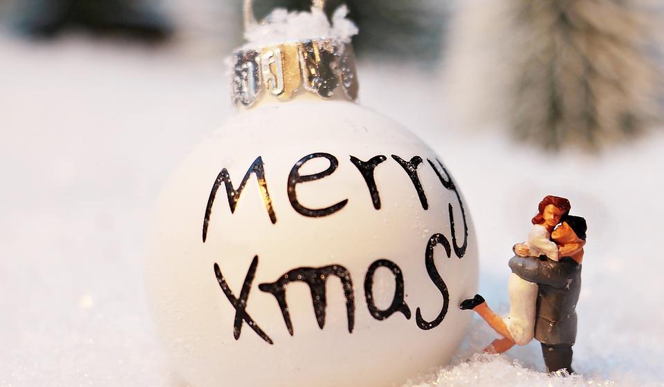 Regalo Natale Amore.Frasi Belle D Amore Per Gli Auguri Di Natale Pourfemme