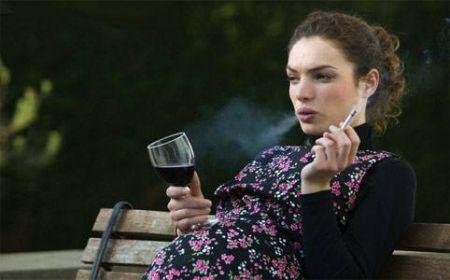 Pelle, smettere di fumare per averla più luminosa