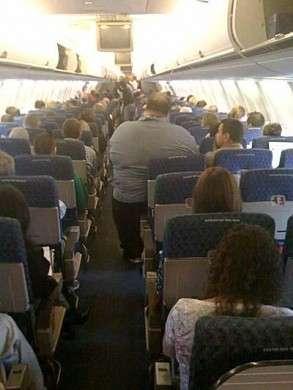 Obesità: arriva la fat tax per i voli aerei