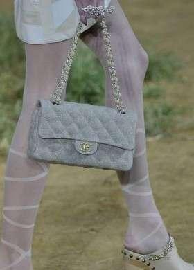 Chanel primavera estate 2010: i dettagli e gli accessori