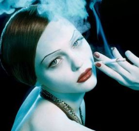 donna fumatrice