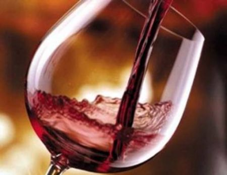 Vino rosso: fa bene al cuore e ad arterie