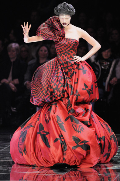La New York Fashion Week omaggia Alexander McQueen