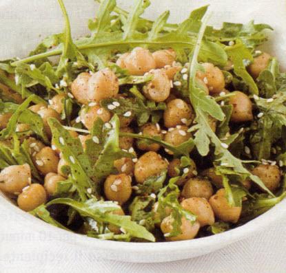 Ricette light, insalata di ceci, cipolle e grano saraceno