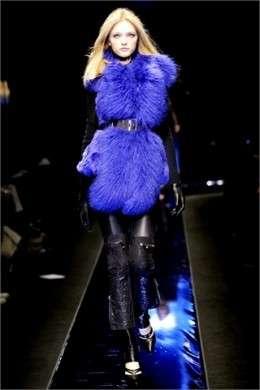 Milano Moda Donna 2010: Versace