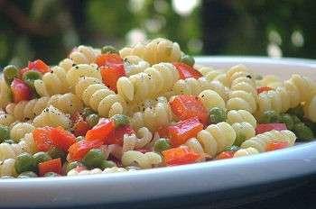 Ricette light: pasta piselli e peperoni