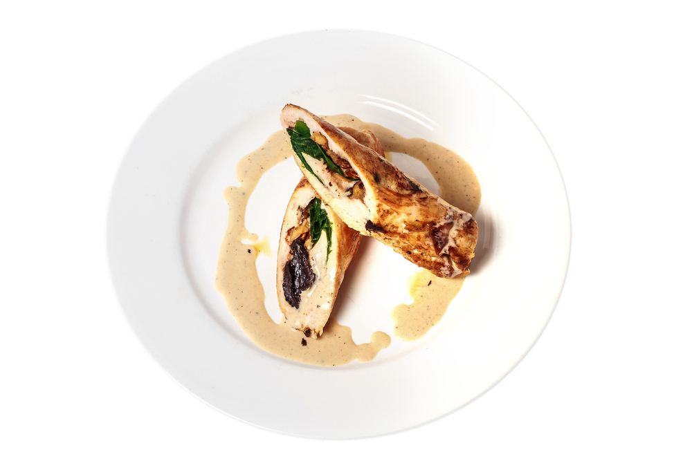 Cucina: ricetta involtini di pollo ai funghi con salsa alla senape