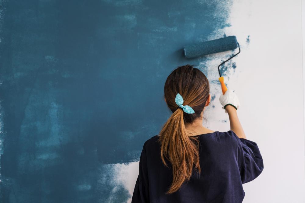 Attrezzatura per imbiancare le pareti di casa