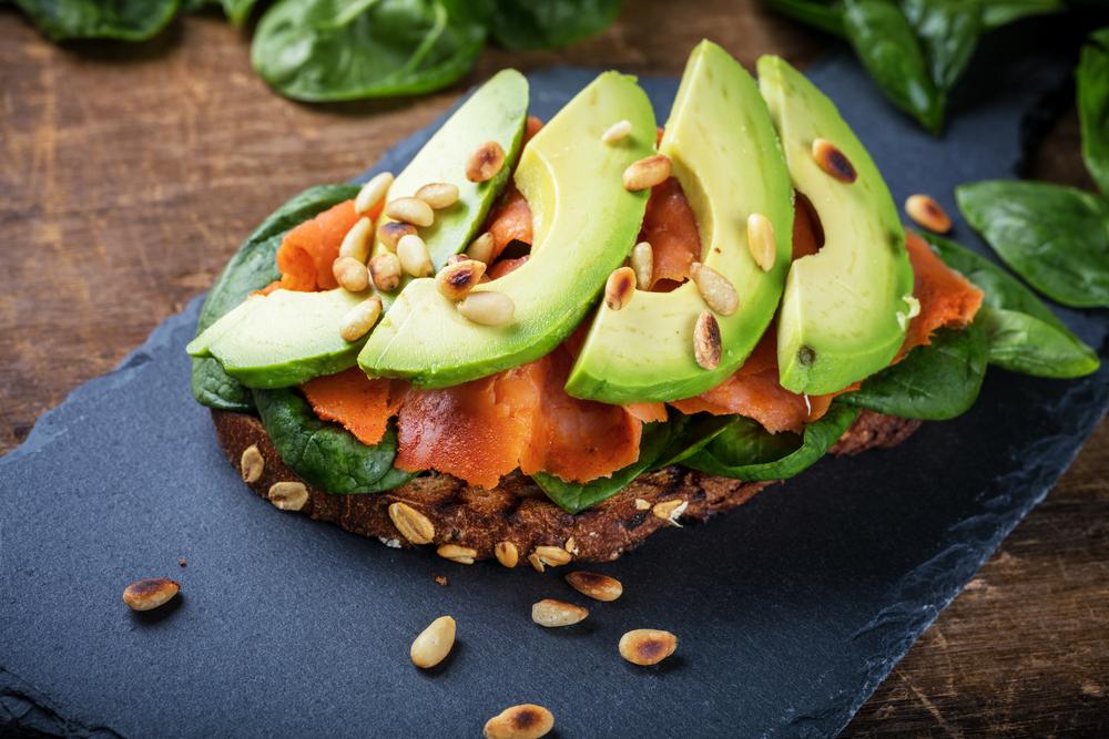 Ricette cucina: salmone con avocado