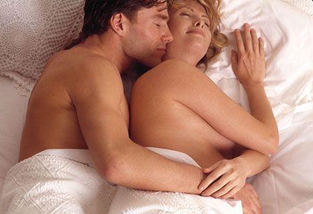 Intimità in gravidanza: quando è sconsigliato farlo