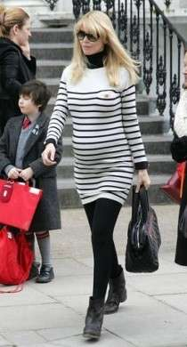 Claudia Schiffer: look premaman super chic
