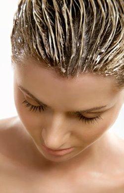 Cura capelli: maschere fai da te economiche ed efficaci