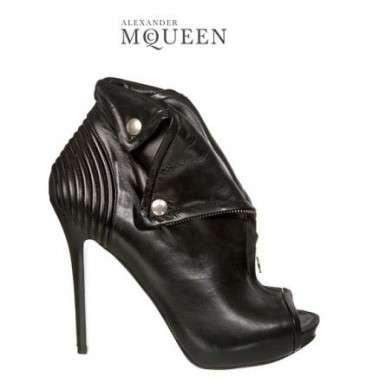 Alexander McQueen, le scarpe con l'anima rock