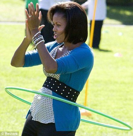 """Michelle Obama: """"Let's move"""" contro l'obesità"""