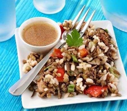 Ricette light: insalata di riso per tutte le stagioni