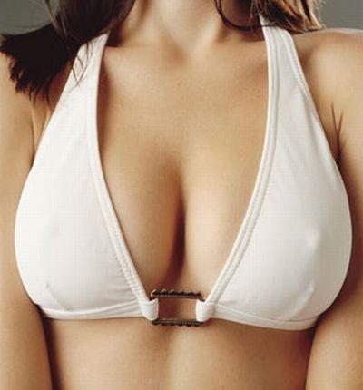 Il seno rifatto lascia indifferenti molti uomini