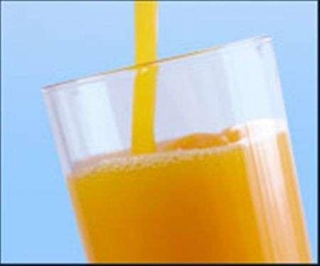 Bere succo d'arancia per combattere i radicali liberi