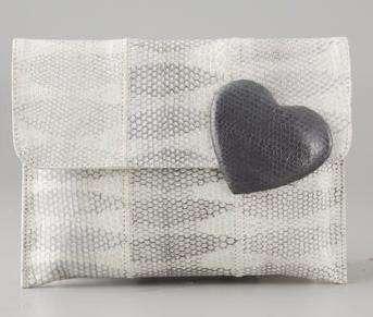 Borse Felix Rey: clutch preziosa con il cuore