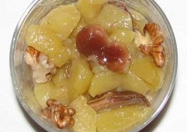 Ricette light: frutta cotta con cannella