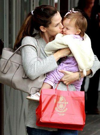 Jennifer Garner con una borsa Tod's
