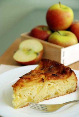 Torta di mele con noci e yogurt