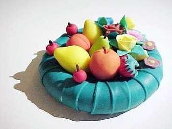 Pasta di sale: cesto di frutta e fiori