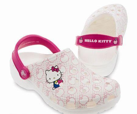 Scarpe Crocs di Hello Kitty estate 2010