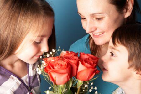 Idee regalo festa della mamma: rose eque e solidali