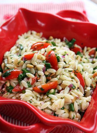 insalata pasta con pinoli