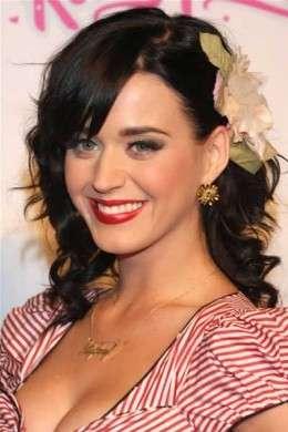 Katy Perry Accessorio per capelli a forma di fiore